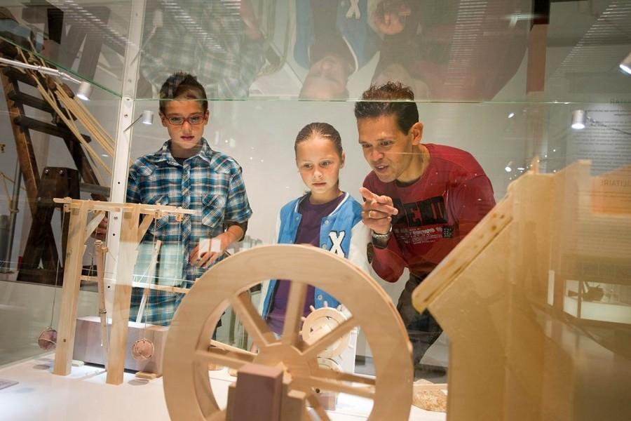 High Tech Romans - Machines - Scale models
