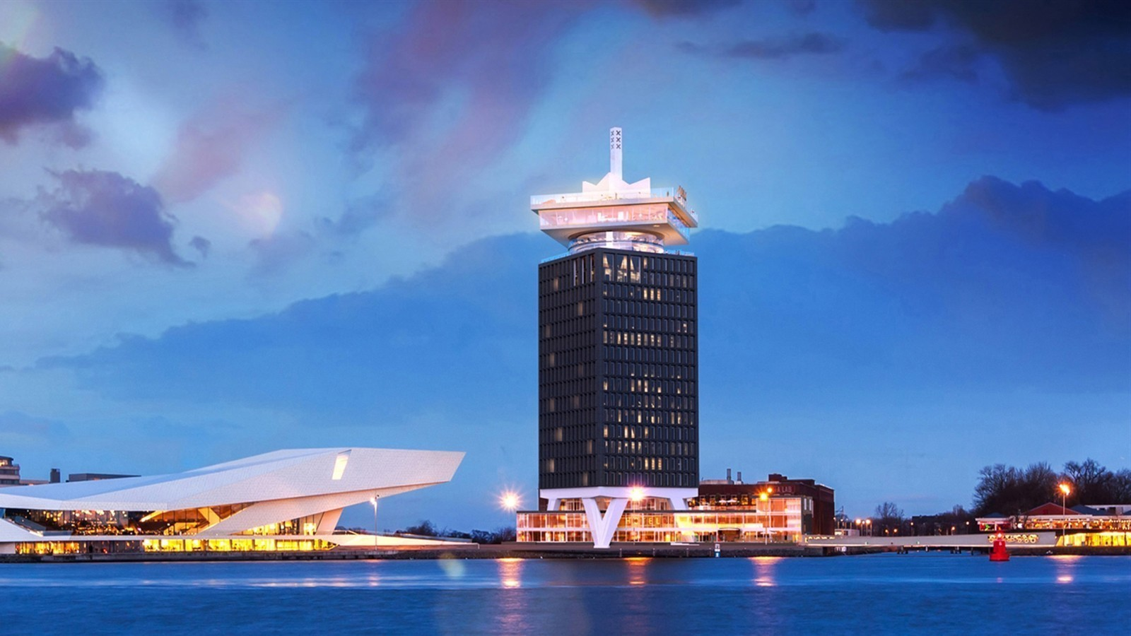 A dam tower bringing visitors to new heights for Dam in amsterdam